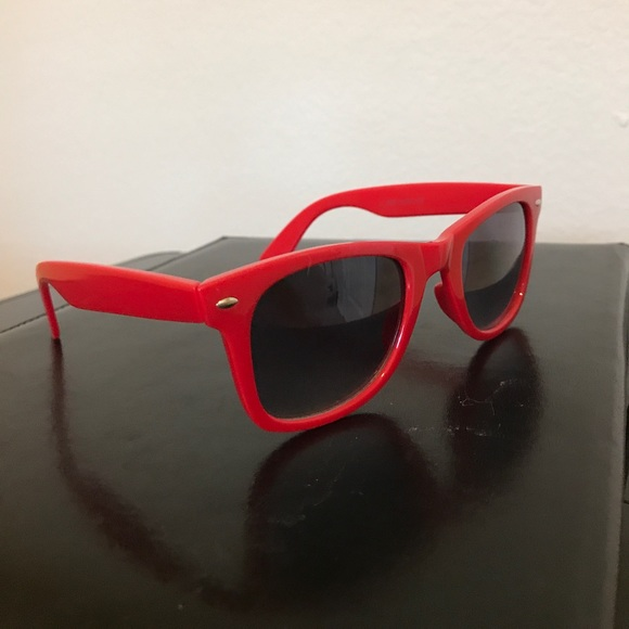2ad8cf65842 Brand New Sunglasses. M 5b32e528df0307a8f957309a